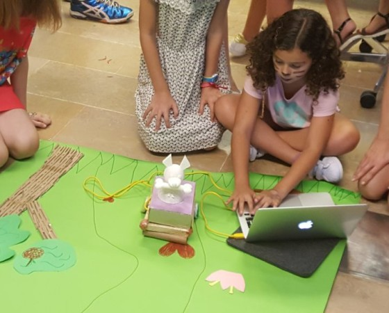 Co-creating digital toys